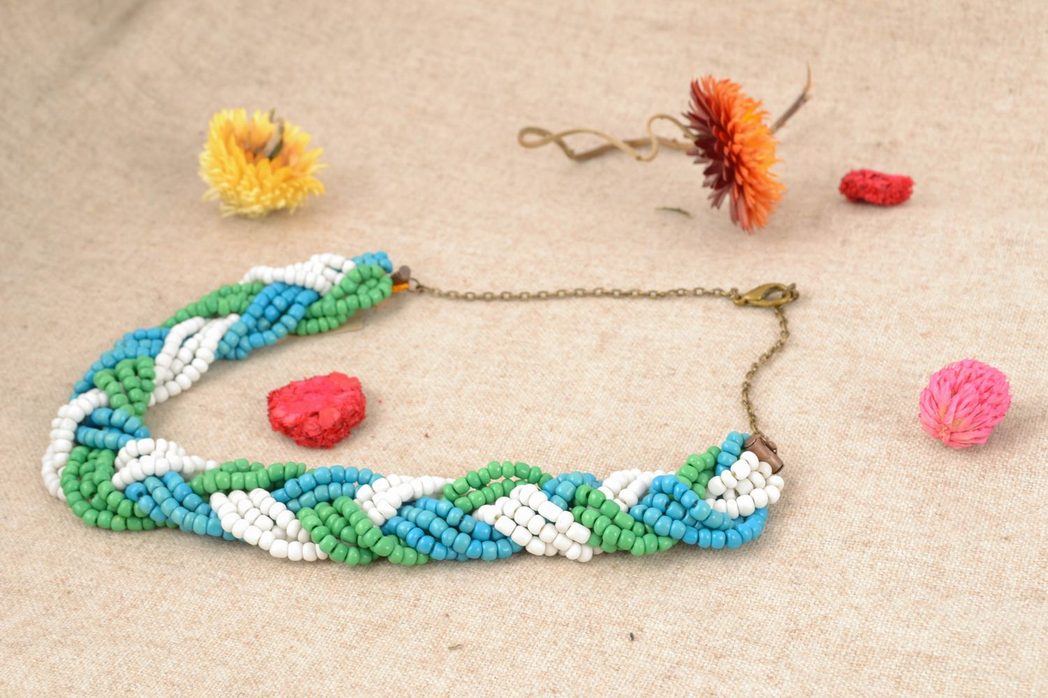 Light beaded necklace of three colors photo 1