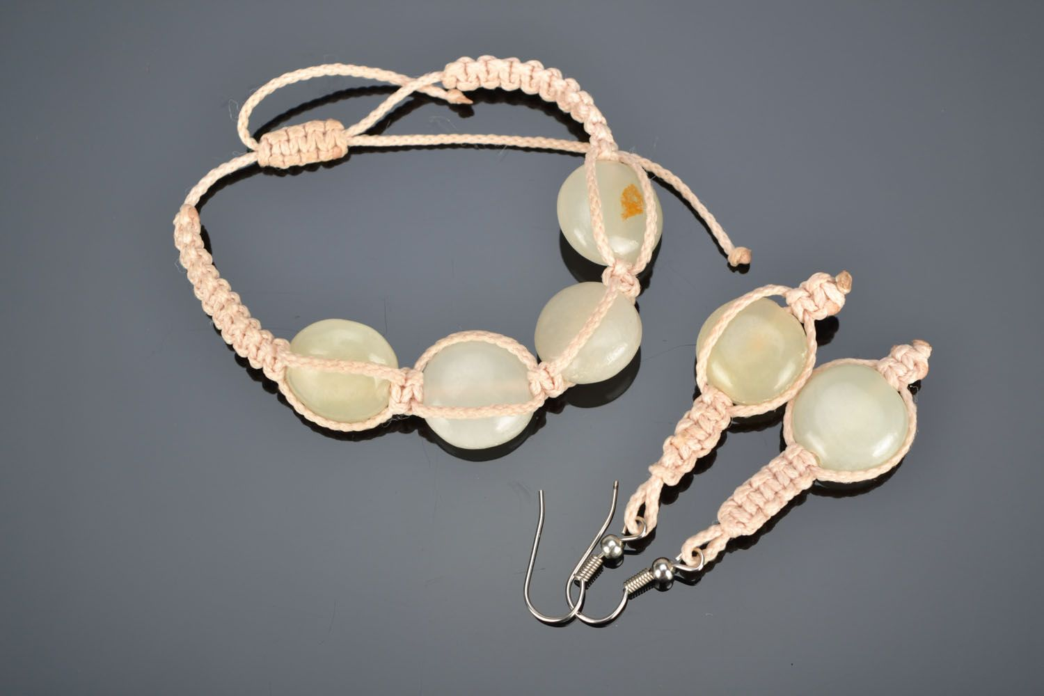 Jewelry set with natural stones photo 1