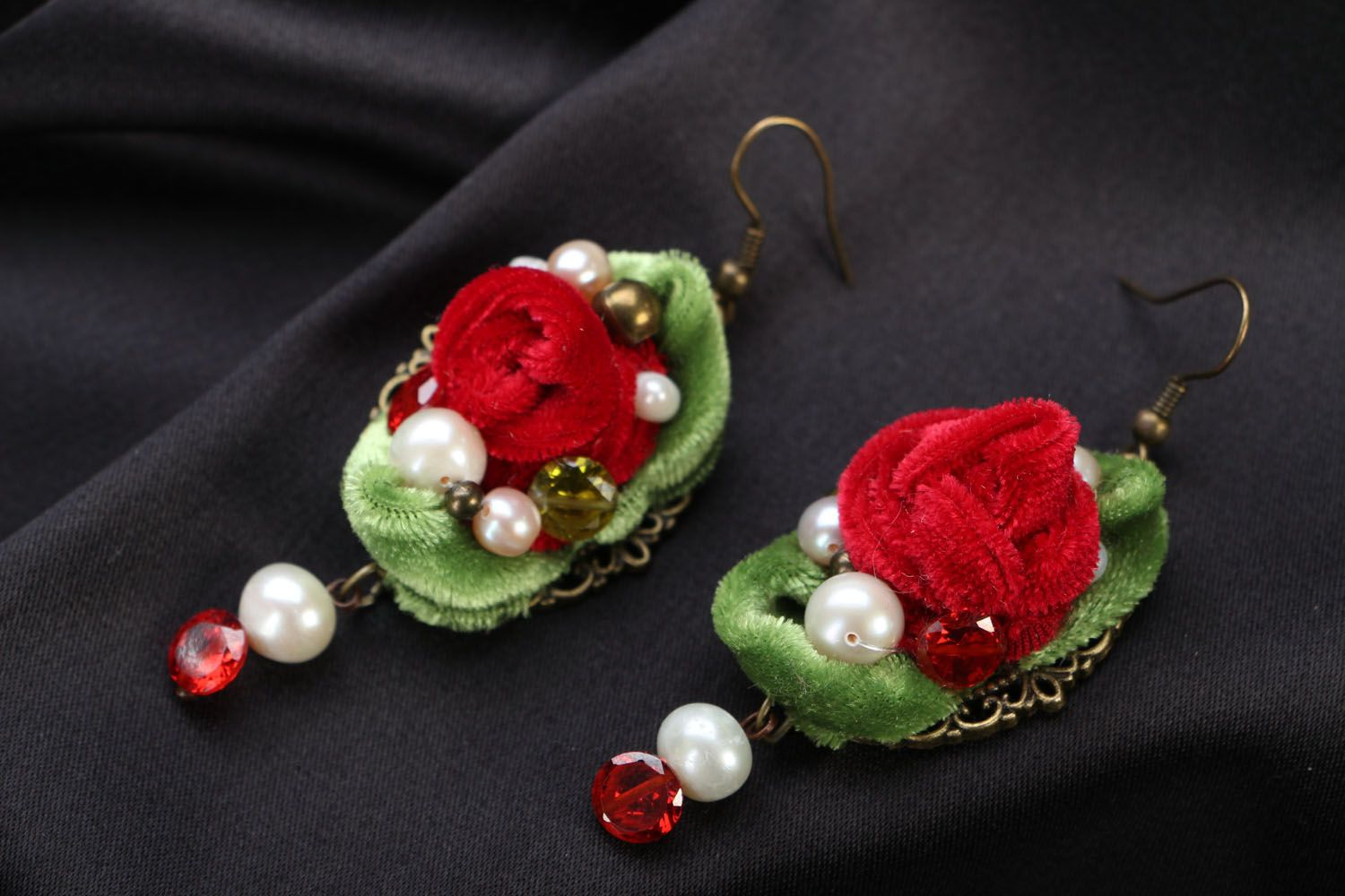 Velvet flower earrings photo 1