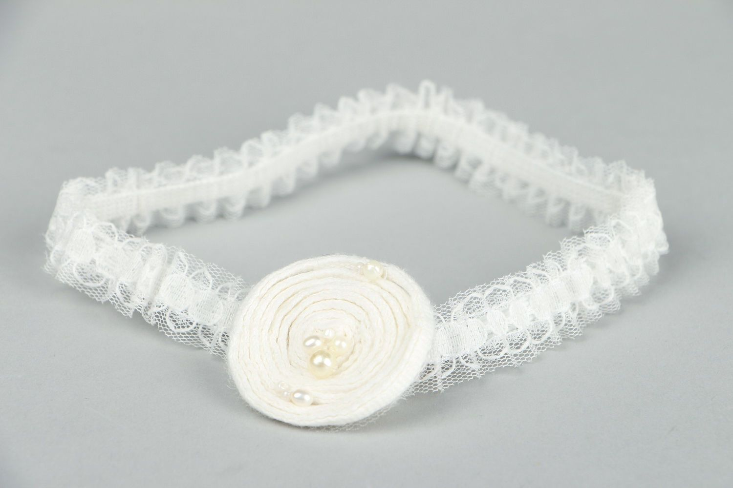 clothes Bridal garter with natural pearls - MADEheart.com