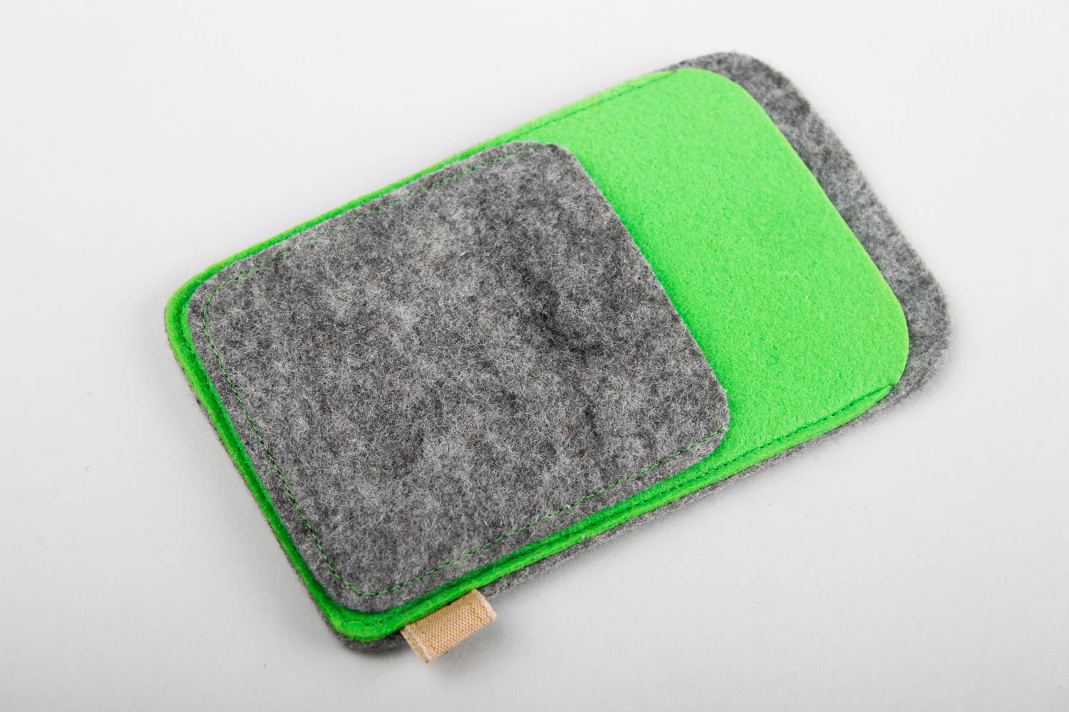 Cases for smartphones and tablets Woolen phone case handmade designer phone case gadget accessories felt goods - MADEheart.com