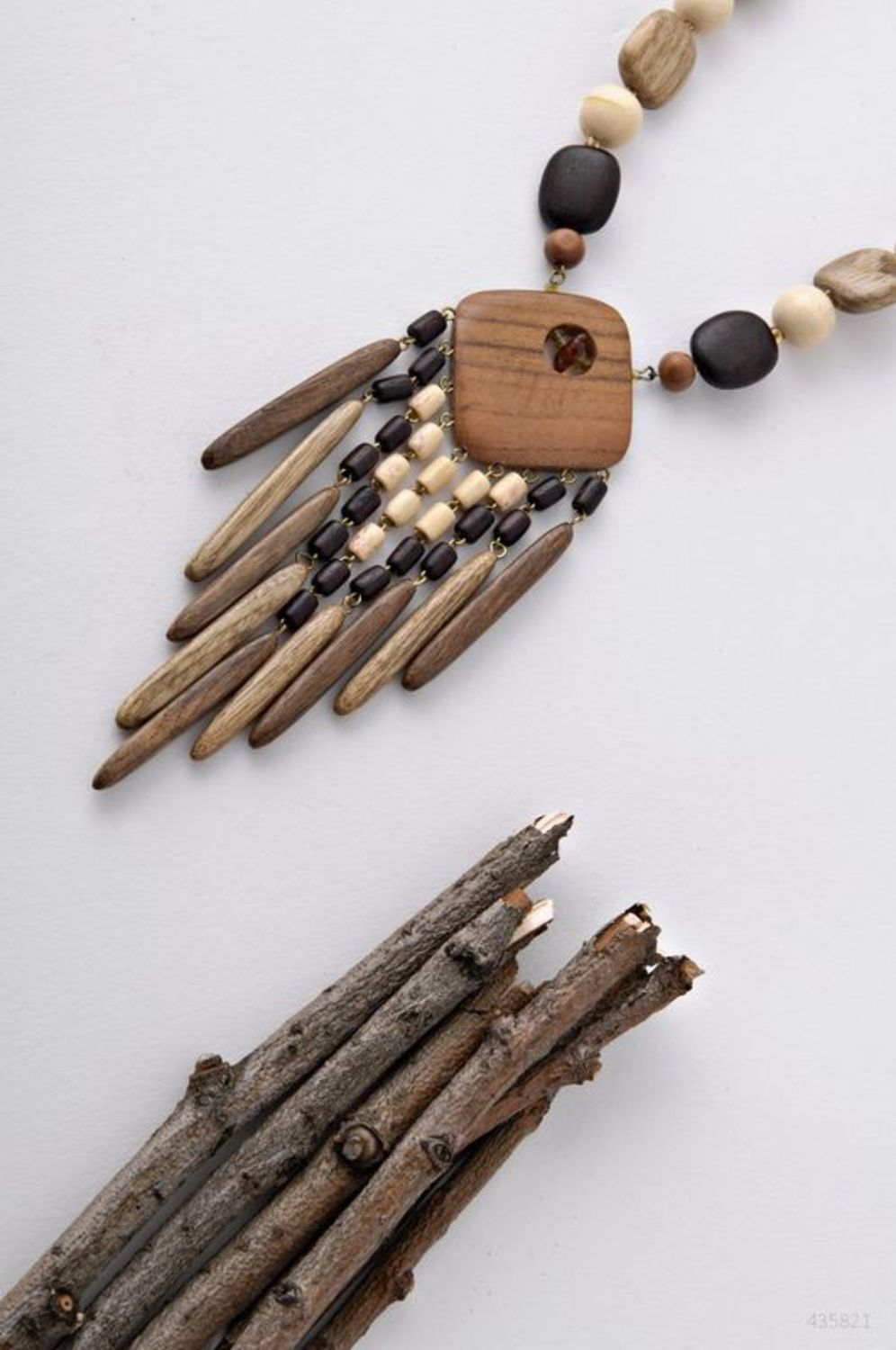 Long wooden beaded necklace photo 3