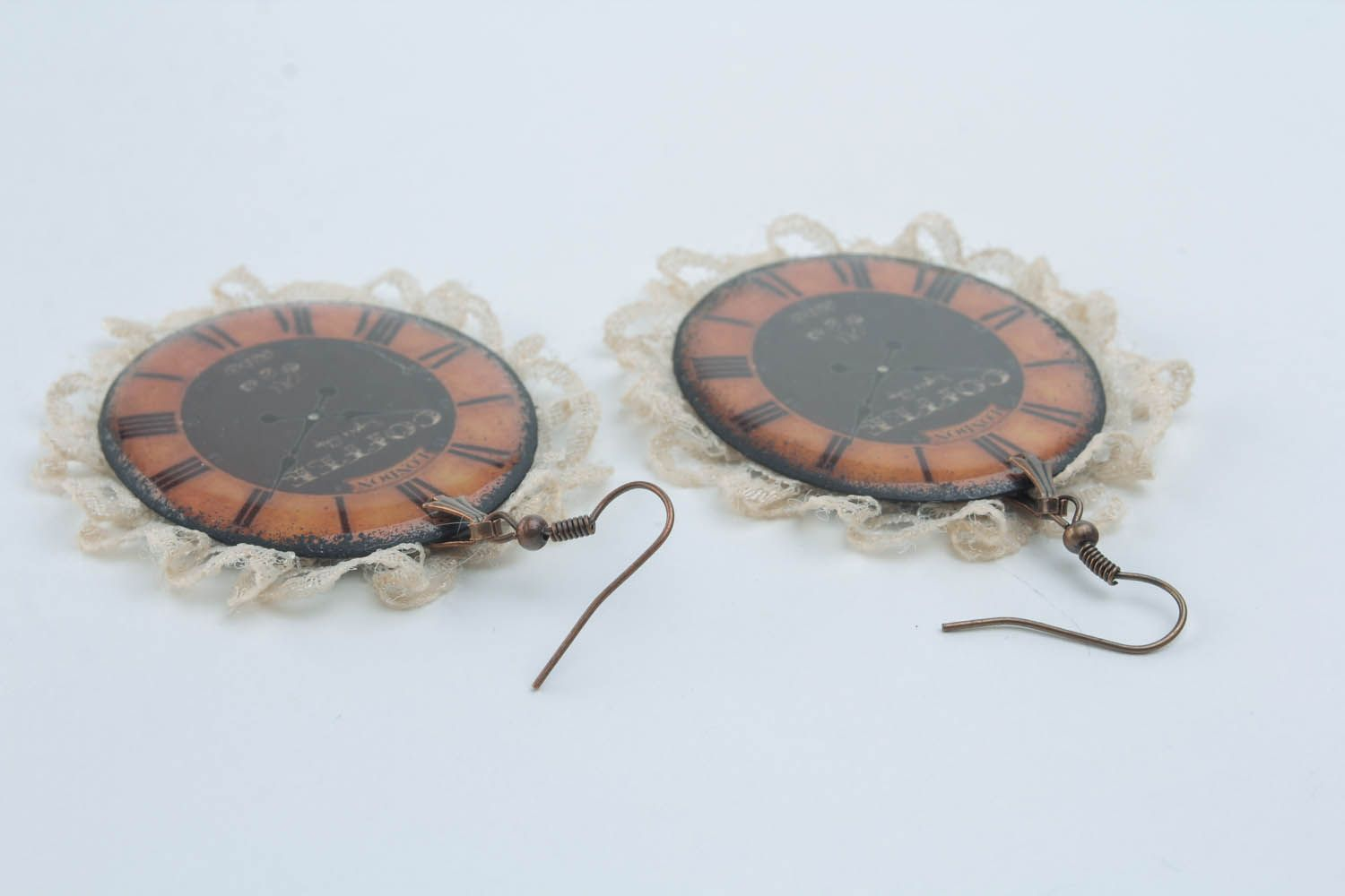 Earrings with lace photo 2