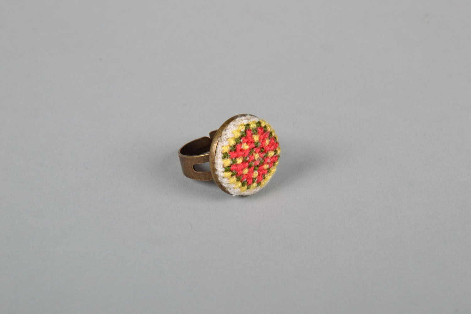 Women's seal ring with embroidery photo 3