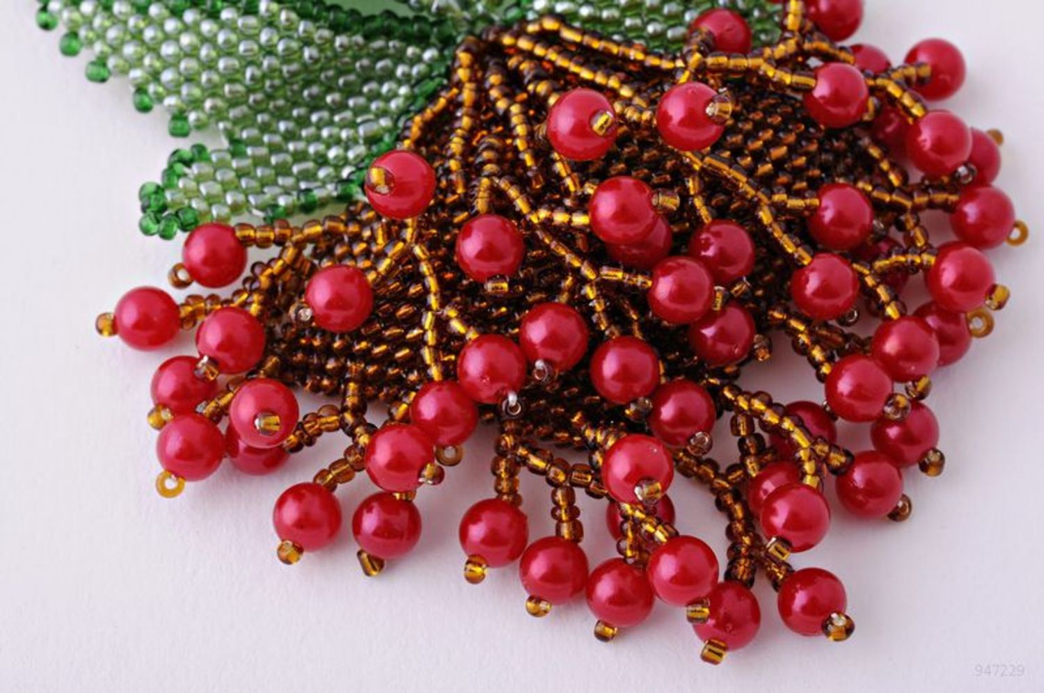 Beaded Necklace Guelder-Rose photo 1