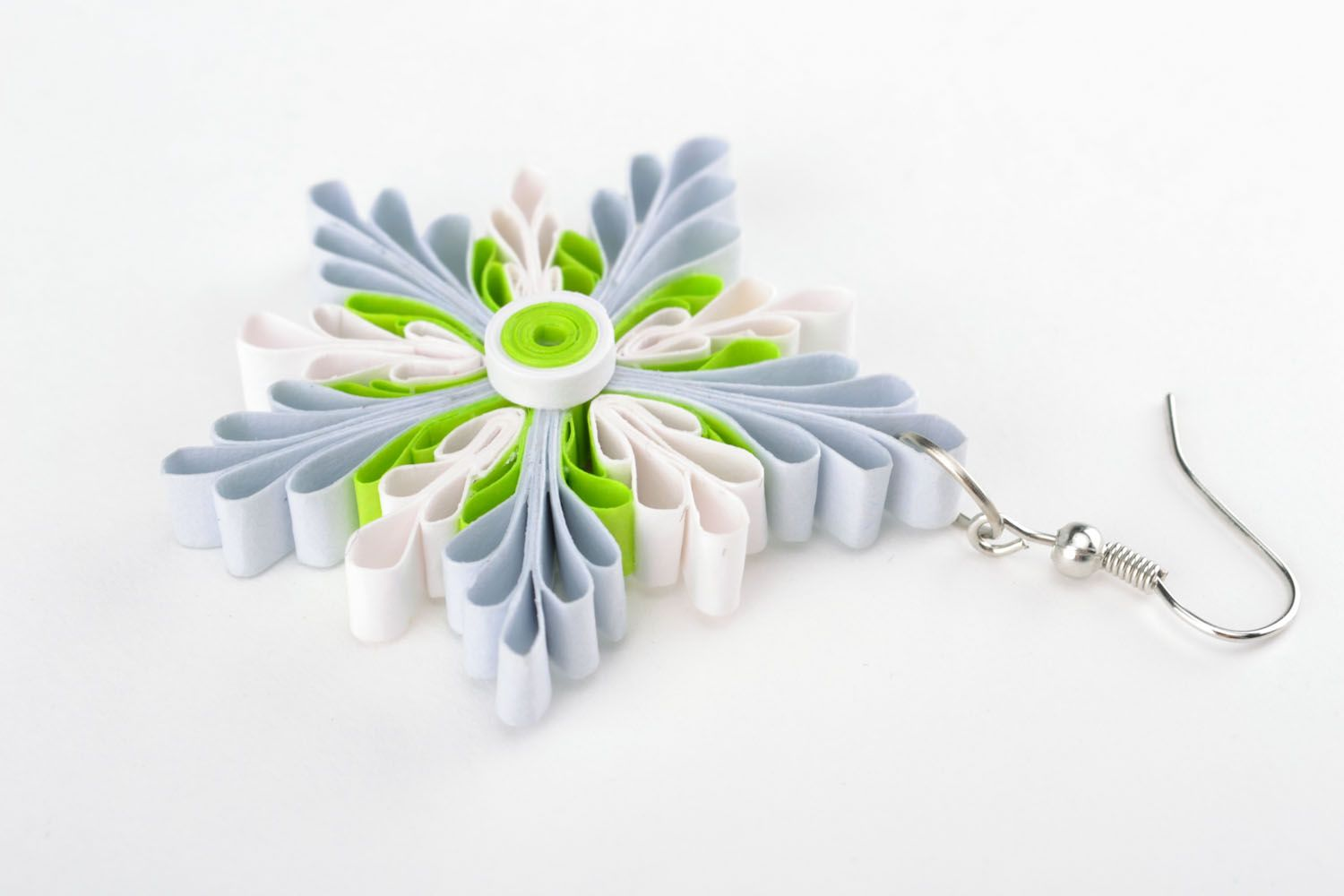 Quilling snowflake earrings photo 3