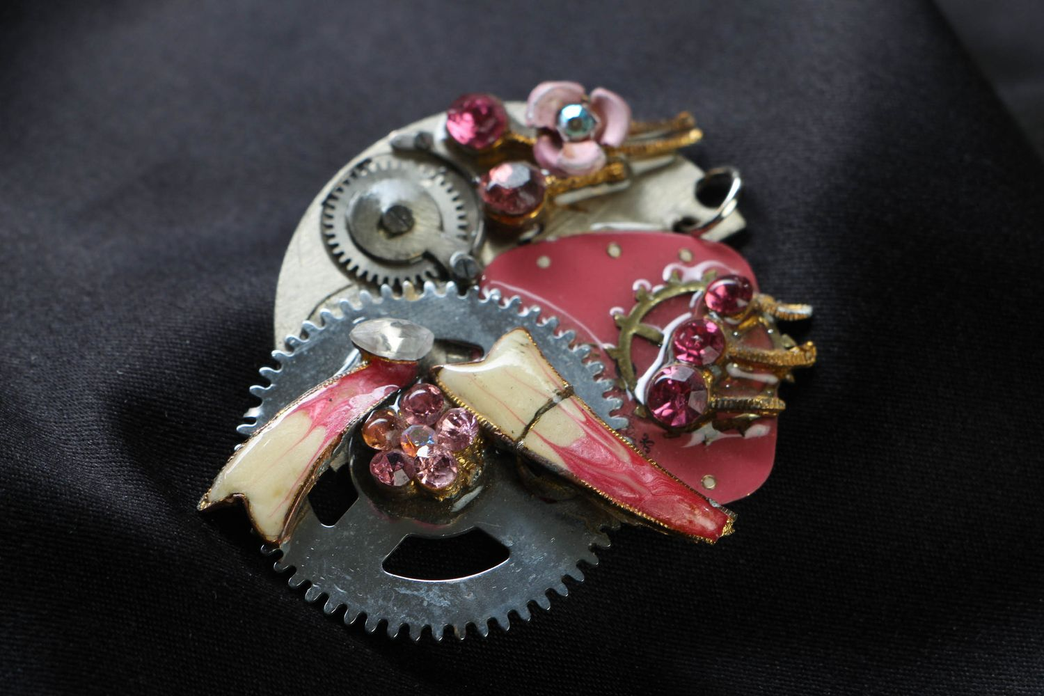 Abstract steampunk pendant photo 1