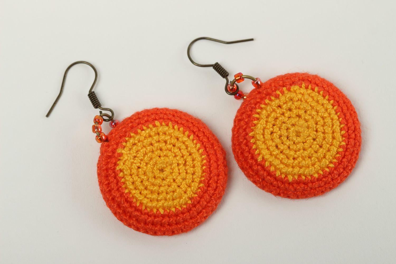 56a86c73164b pendientes con colgantes Aretes tejidos a crochet hechos a mano pendientes  originales bisutería artesanal - MADEheart
