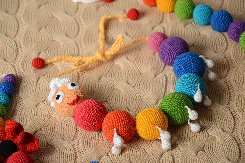 Вязание игрушек для новорожденных крючком 54