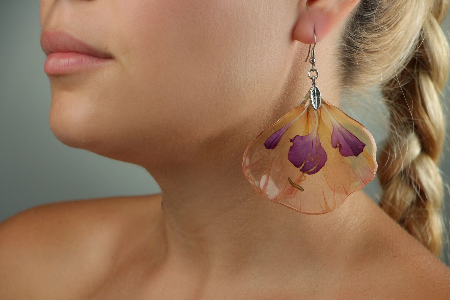 Earrings with epoxy Peruvian lily photo 4