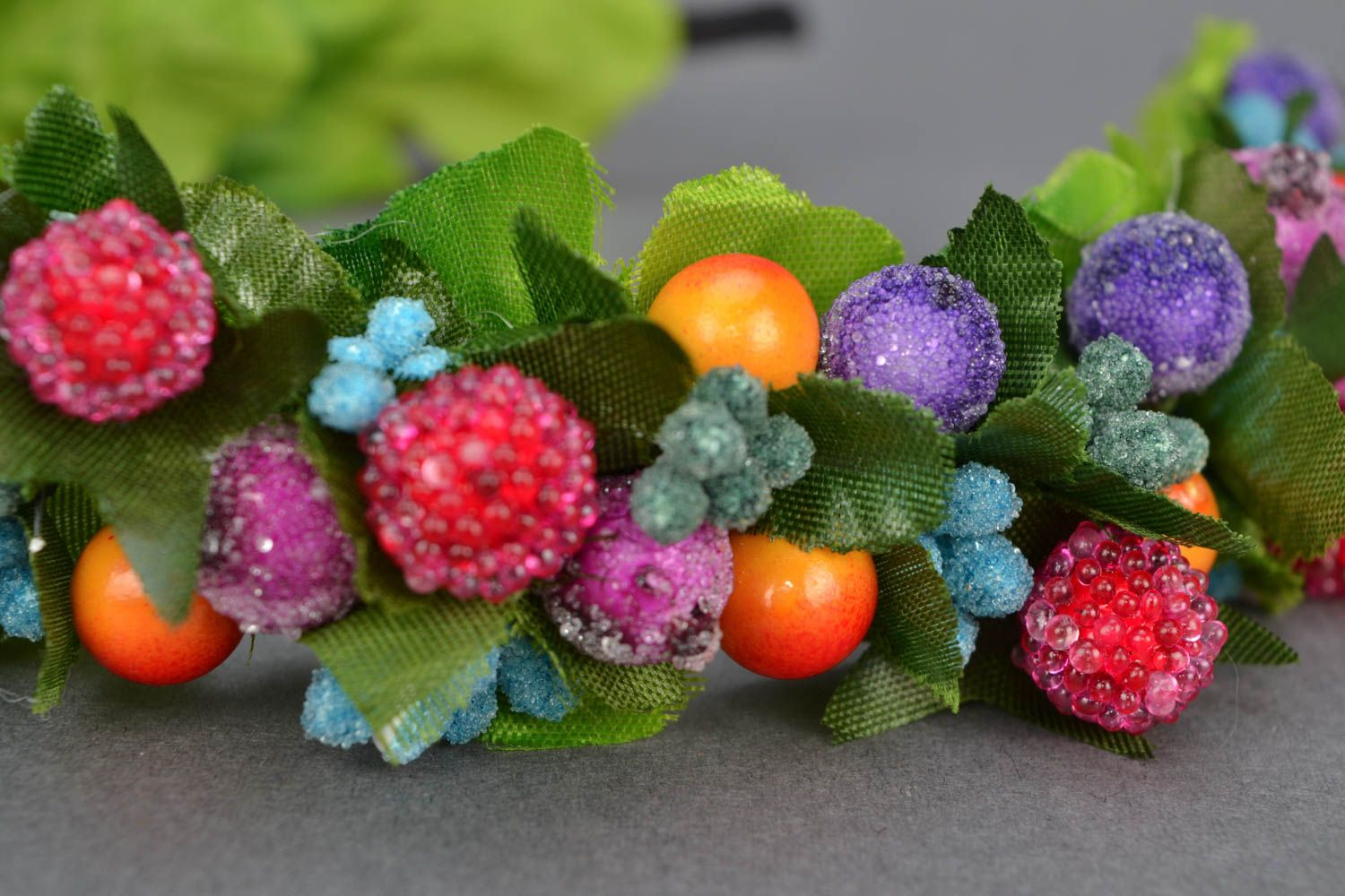 Headband with berries and leaves photo 3