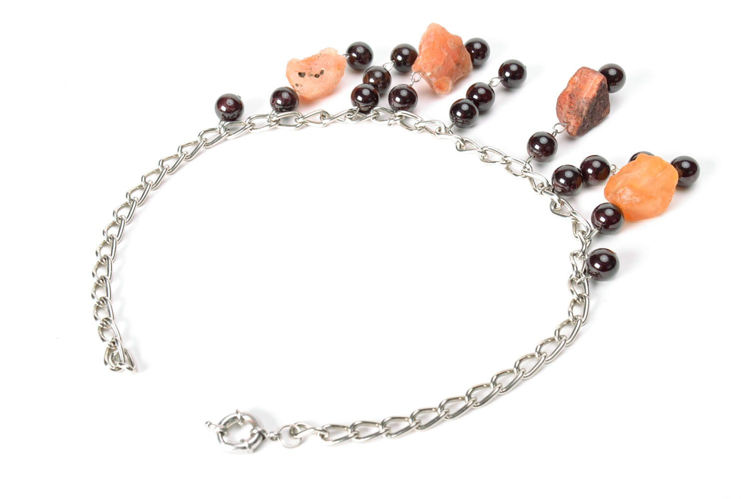 Fashionable necklace with natural stones photo 3
