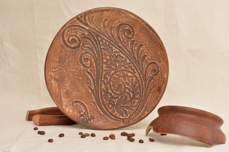 Madeheart plato de barro con dibujo artesanal decoraci n for Utensilios de cocina artesanales