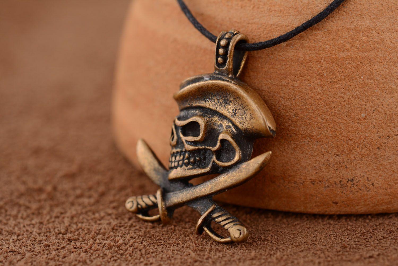 Bronze pendant Pirate's Skull photo 1