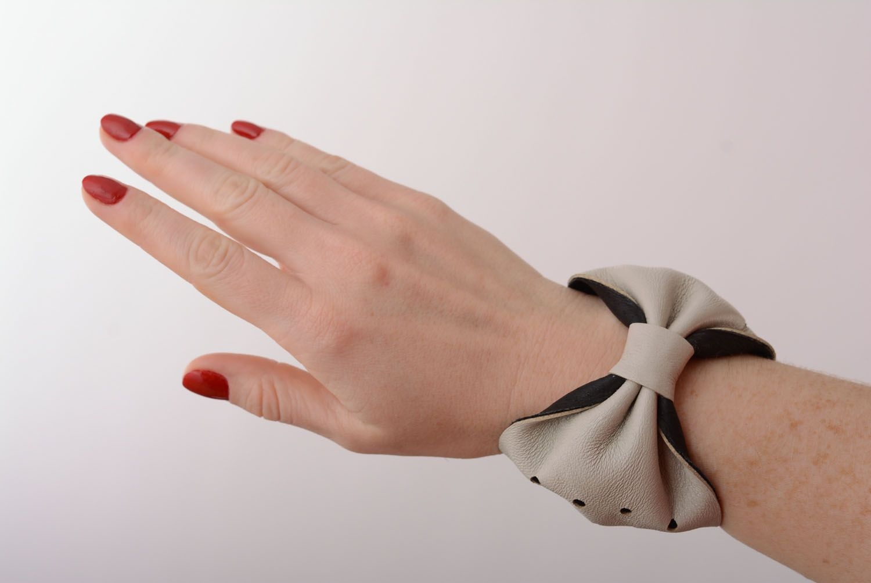 Women's leather bracelet photo 1