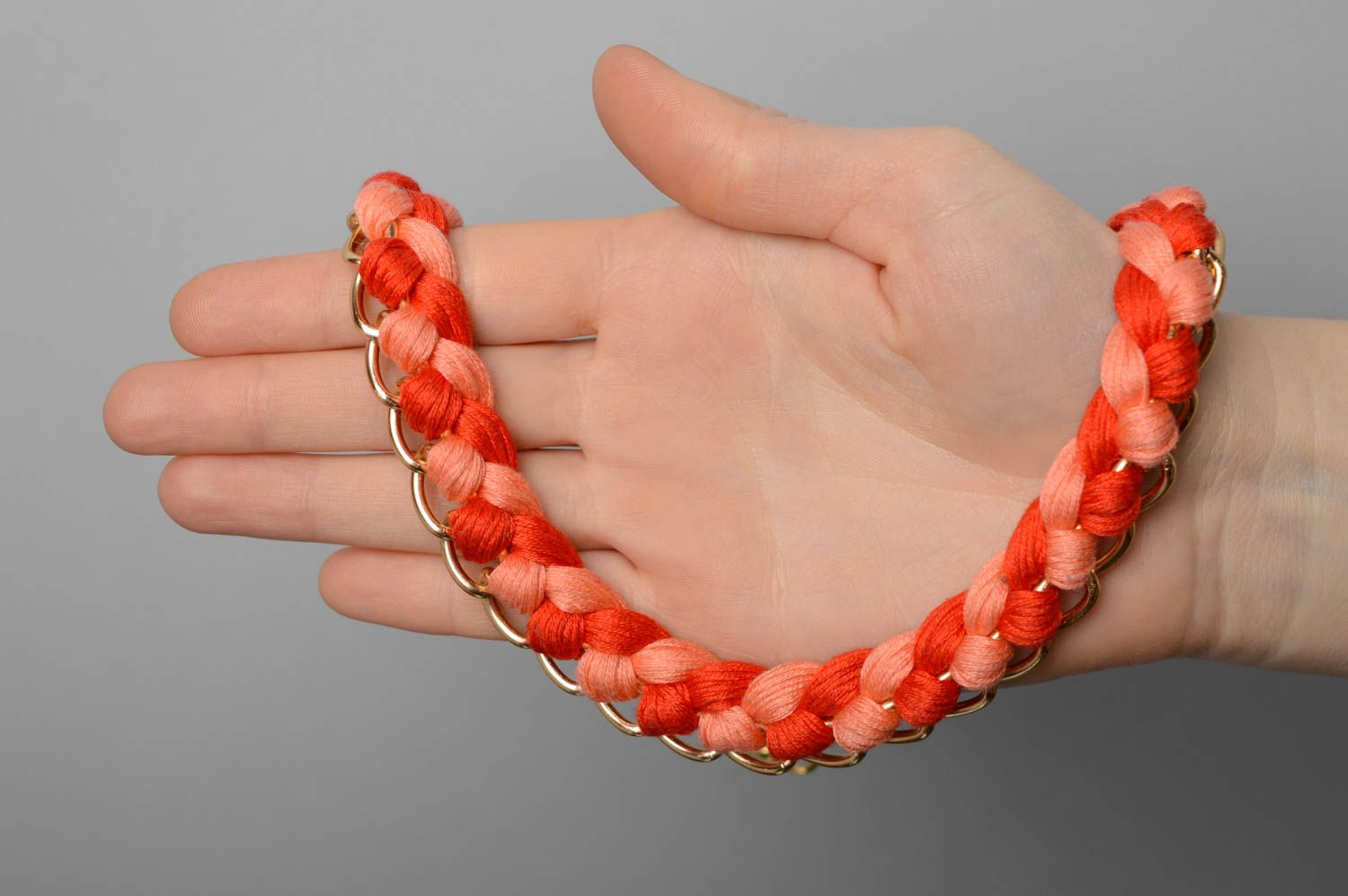 Coral woven necklace photo 3