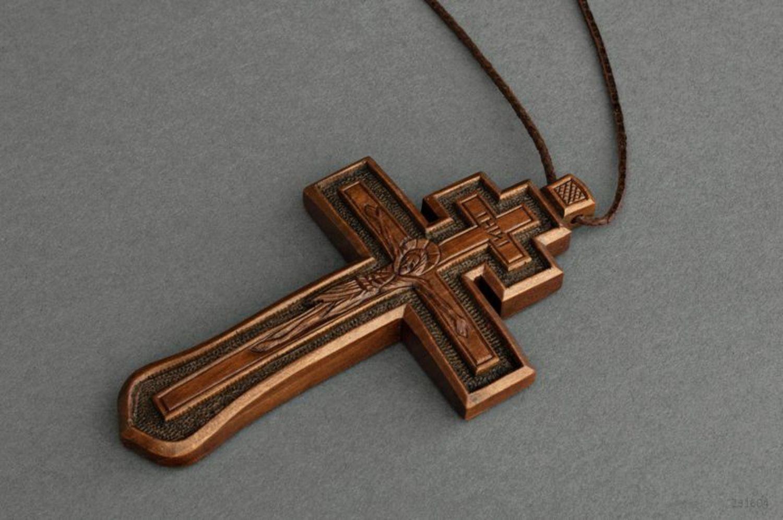Деревянный нательный крестик купить