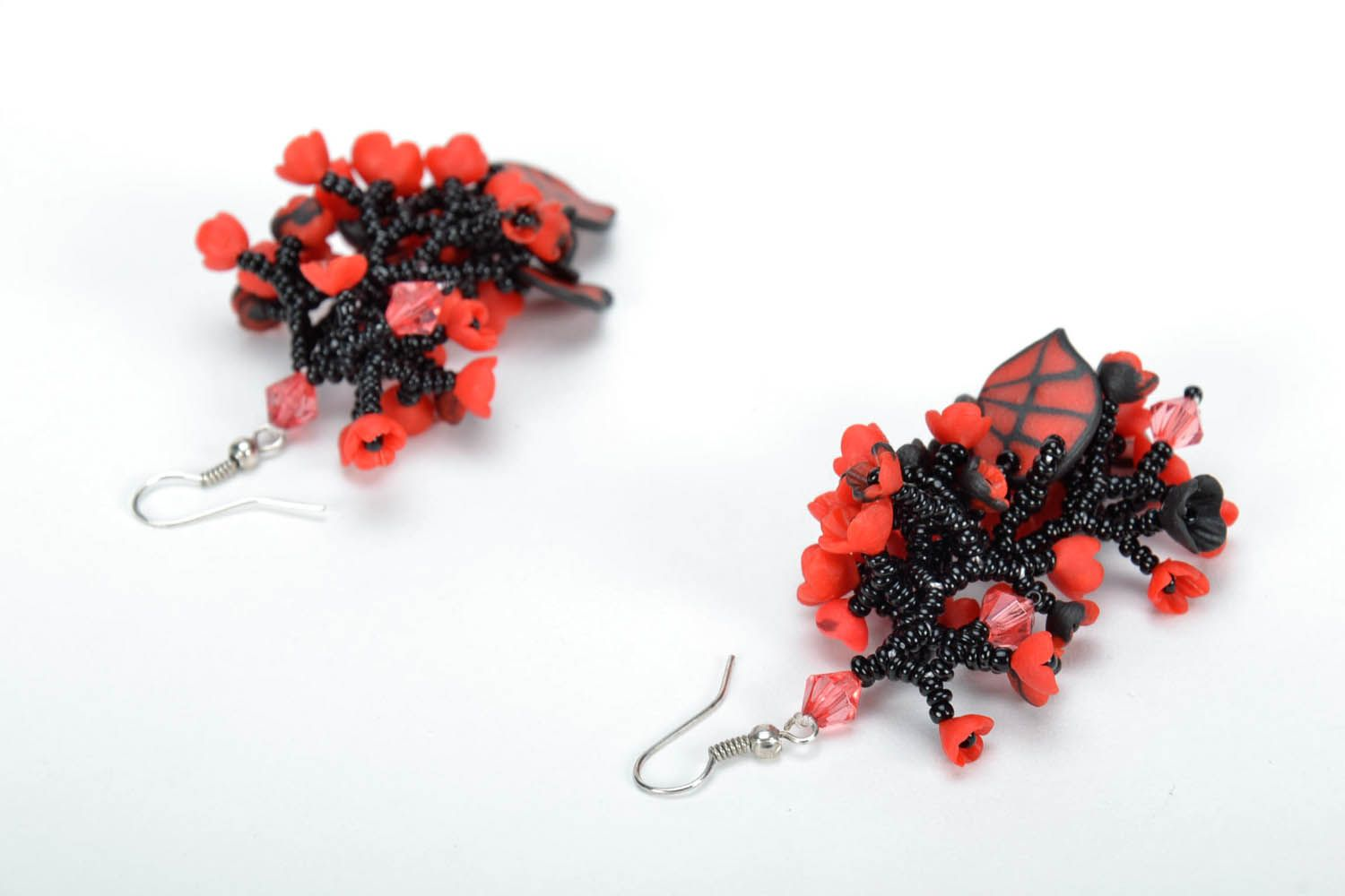 Long black and red earrings photo 5