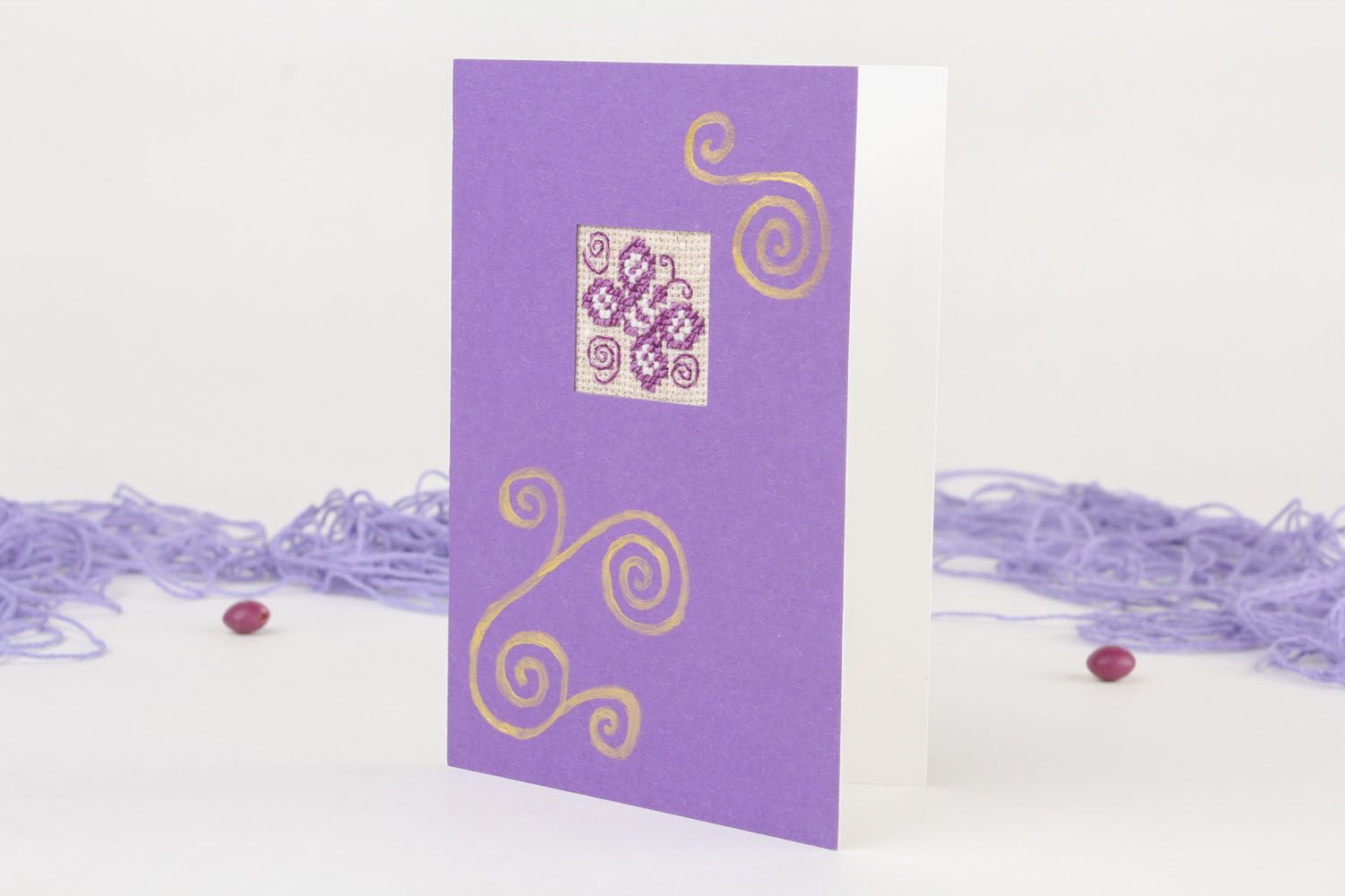 Violet greeting card with embroidery photo 1