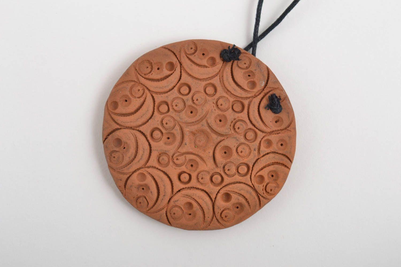Кулон ручной работы круглый кулон керамическая подвеска коричневая стильная фото 4