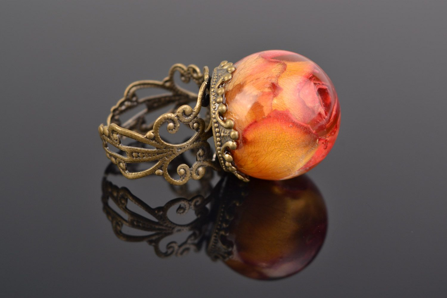Orange and pink handmade ring with real rose coated with epoxy photo 1