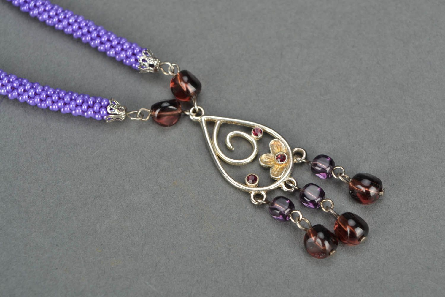 Lilac beaded necklace photo 3