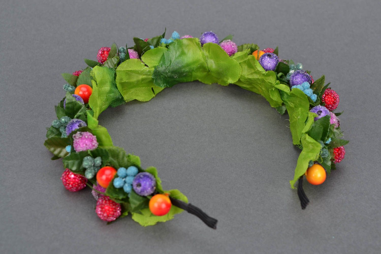Headband with berries and leaves photo 4