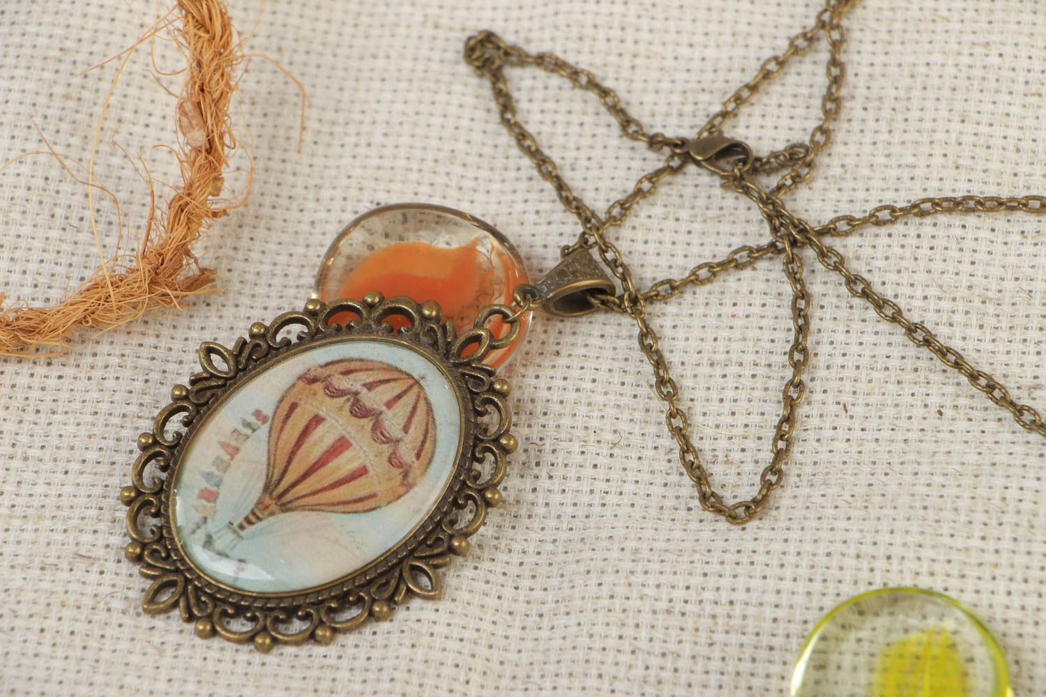 Handmade oval metal pendant with hot air balloon image on long chain 840 mm photo 1