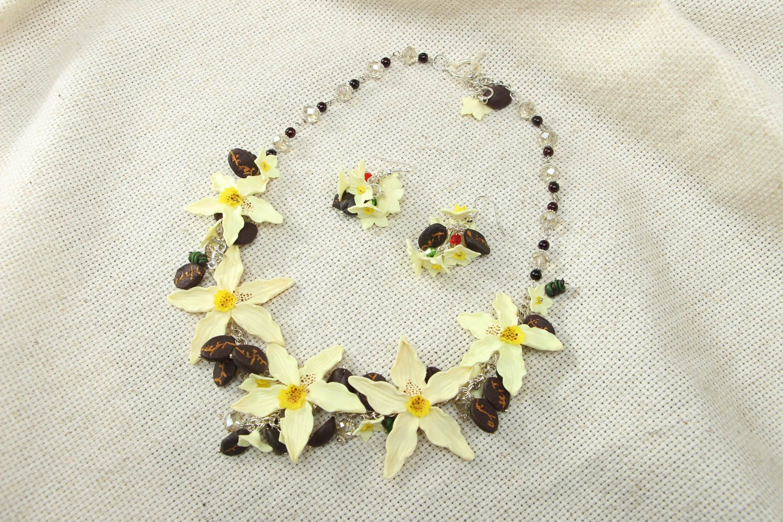 Plastic jewelry set Vanilla photo 1