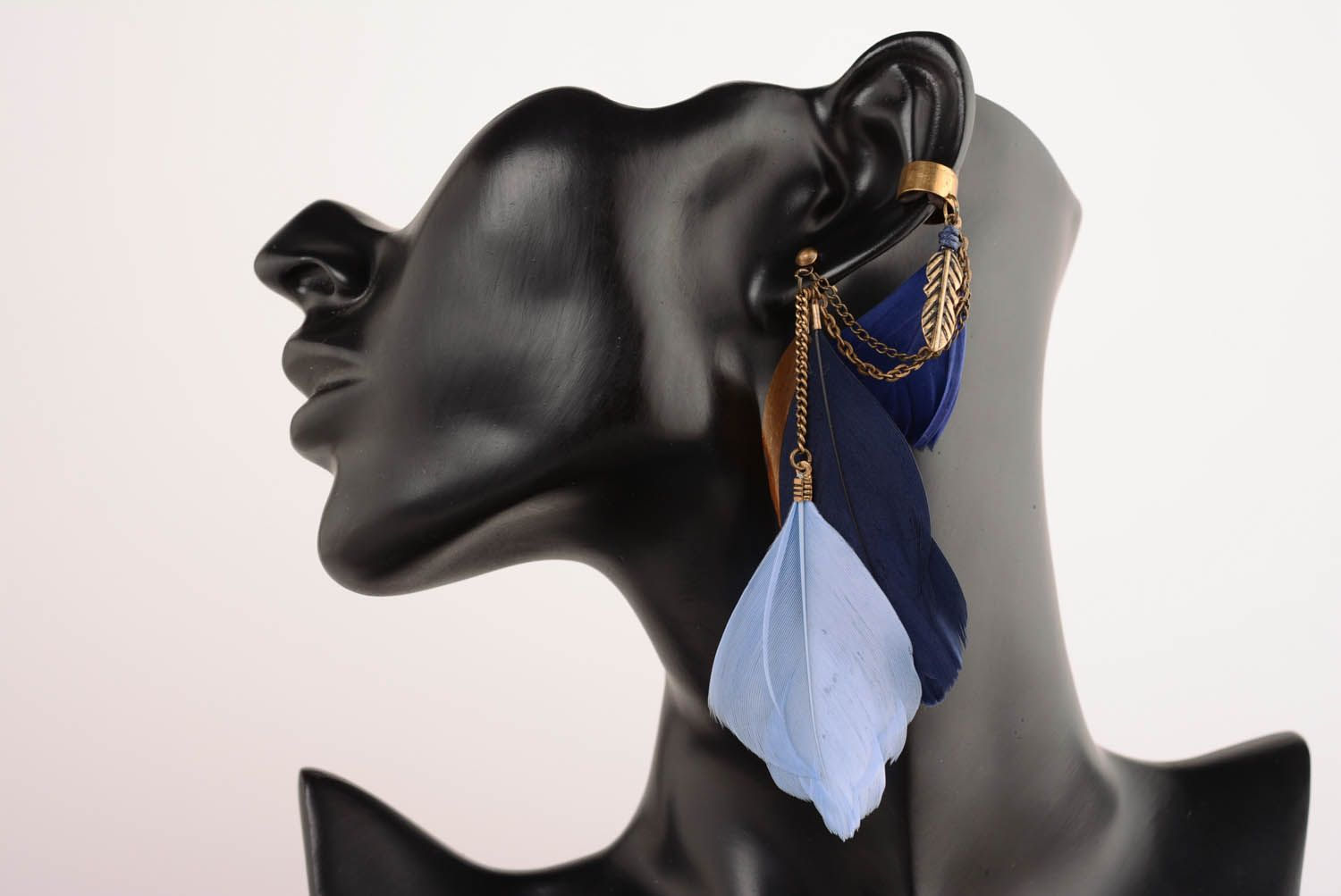 Cuff earrings with feathers Blue photo 1