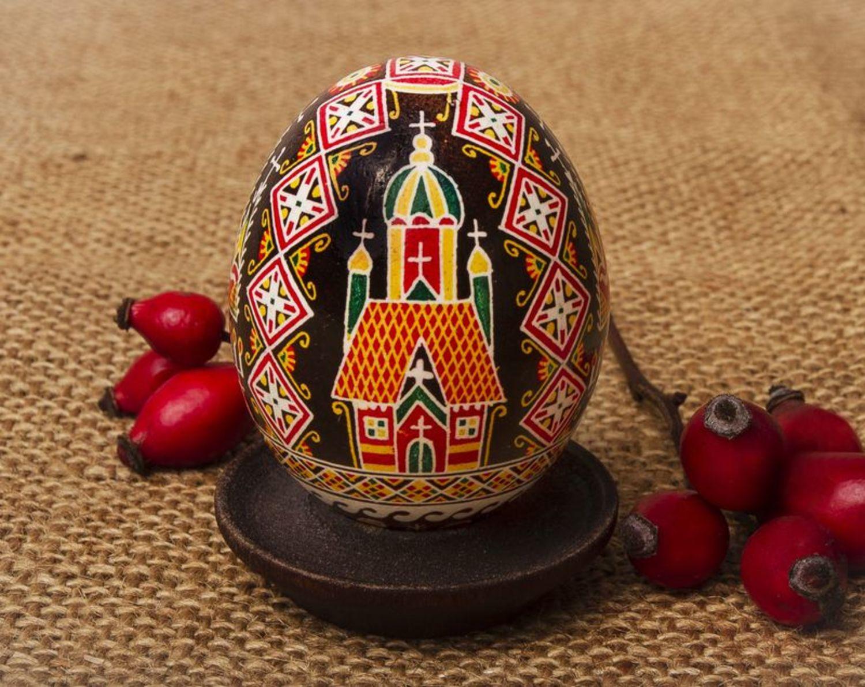 chicken easter eggs Pysanka