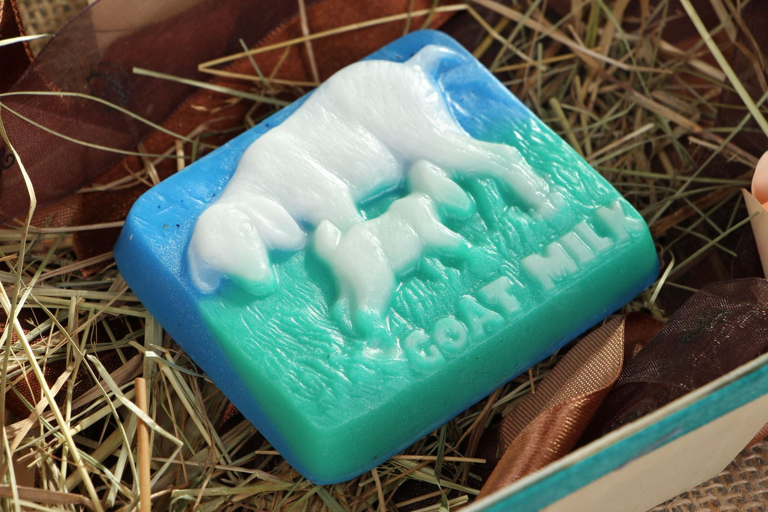 Natural soap with flax oil photo 4