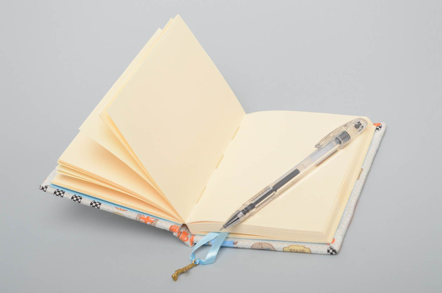 Handmade notebook with fabric cover - MADEheart.com