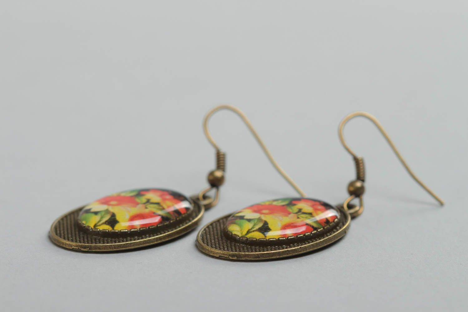 Handmade beautiful vintage earrings with glass glaze and with flowers print photo 3