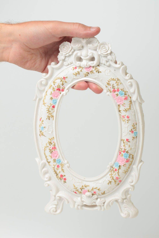 madeheart cadre photo fait main d coration maison cadeau original ovale blanc fleurs. Black Bedroom Furniture Sets. Home Design Ideas