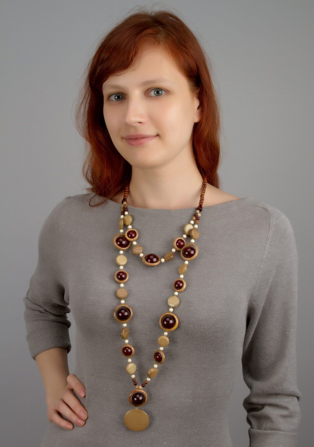 Wooden beaded necklace with clasp photo 5