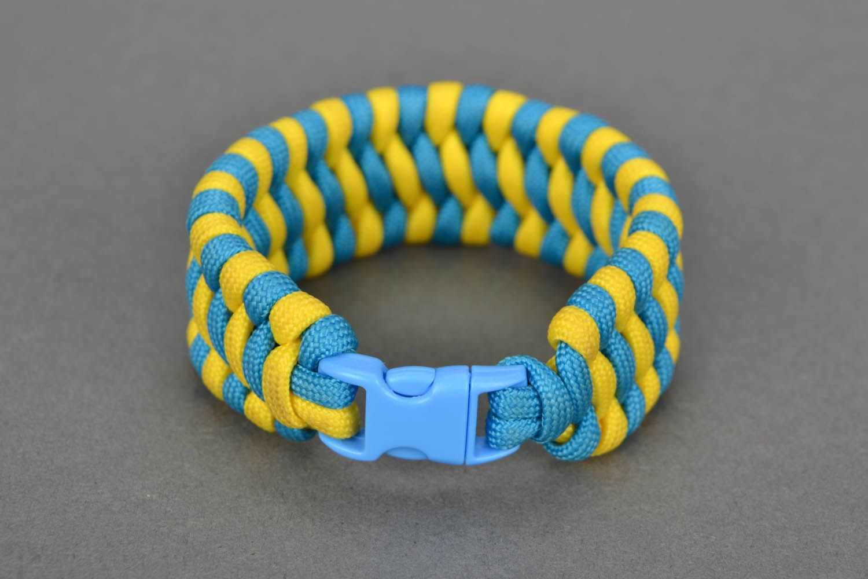 Wide paracord bracelet photo 3