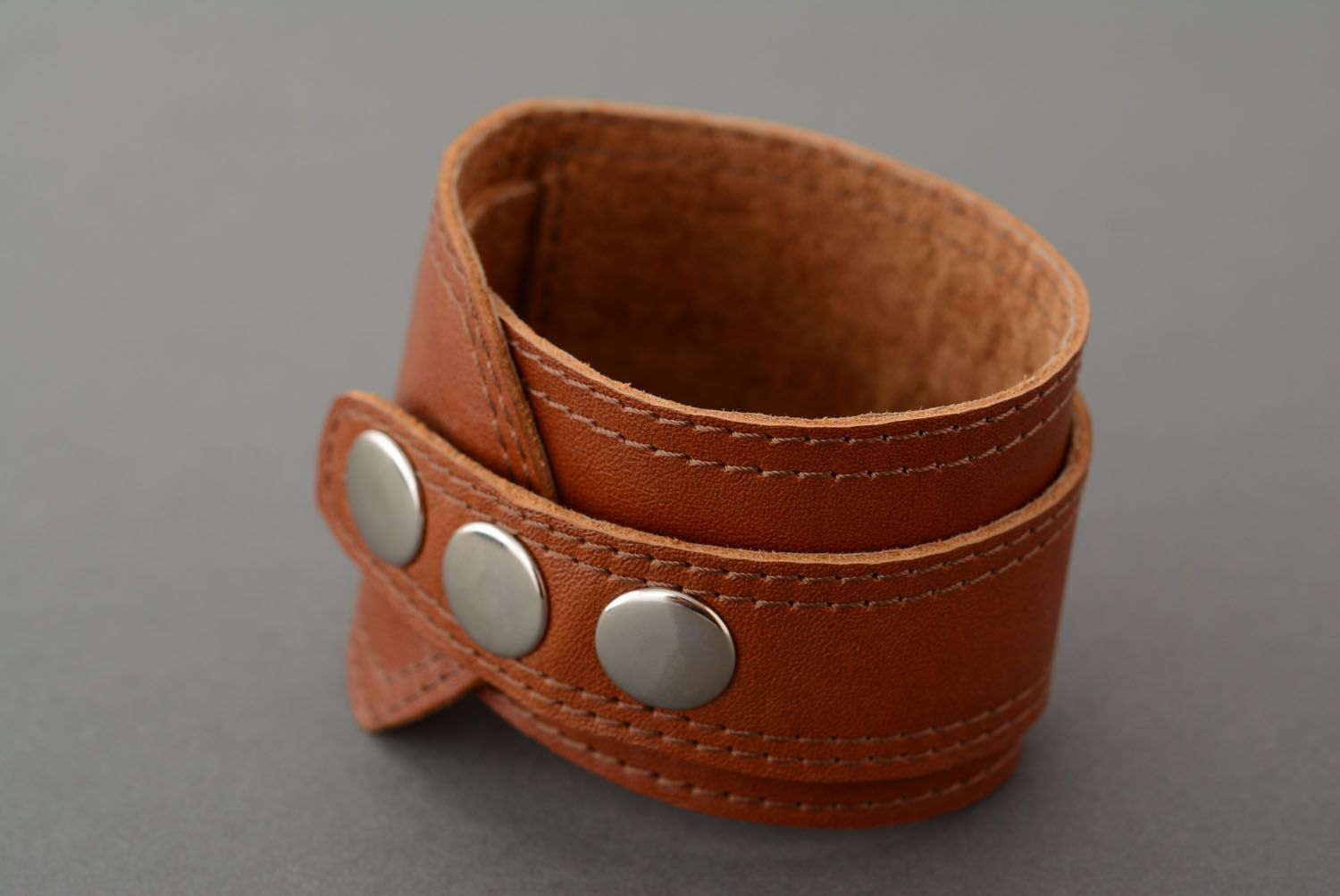 Brown leather bracelet photo 3