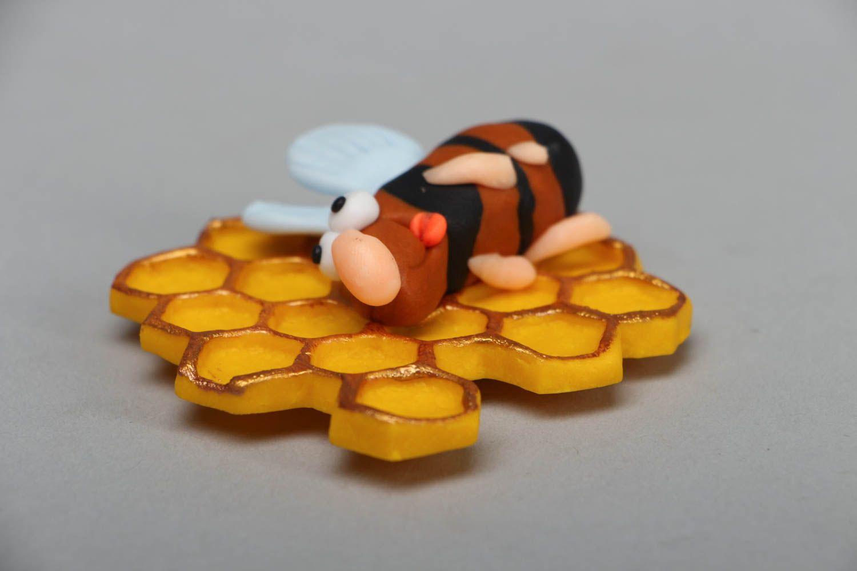 Decorative fridge magnet Bee photo 2