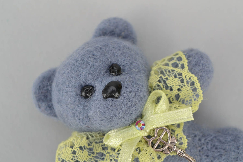 Woolen brooch Bear photo 3