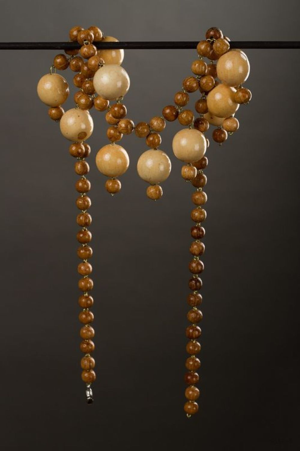 Wooden beaded necklace  photo 2
