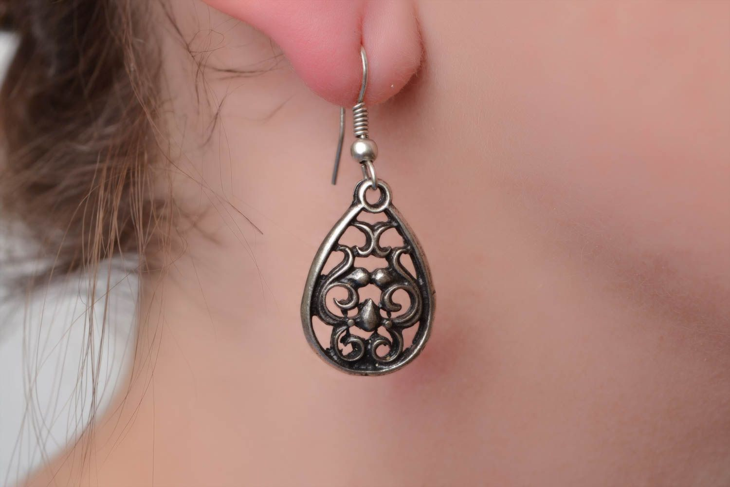 Beautiful handmade design metal lace earrings of silvery color photo 5