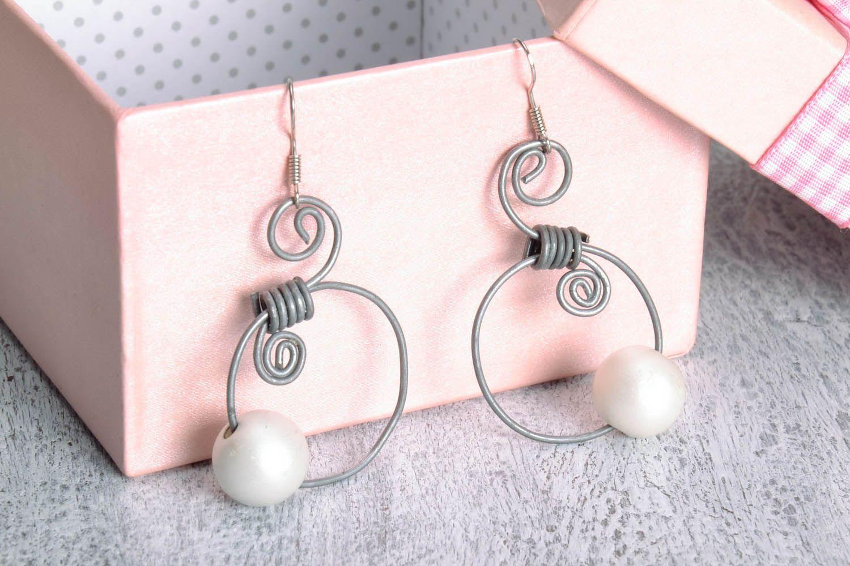 Earrings made of metal photo 1