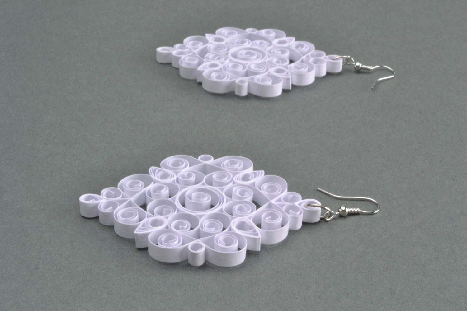 White laced earrings made of paper photo 4