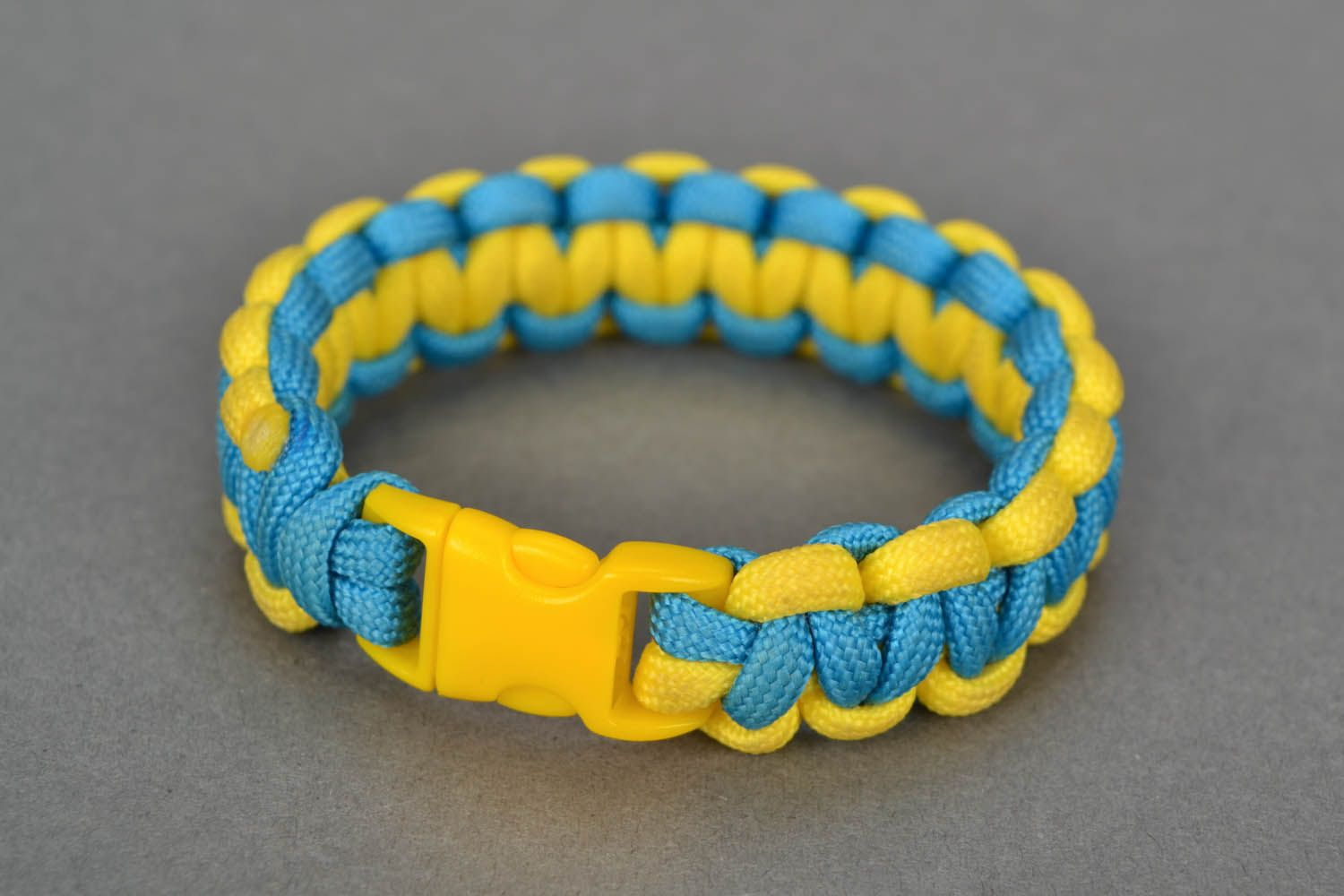 Paracord bracelet Ukraine photo 3