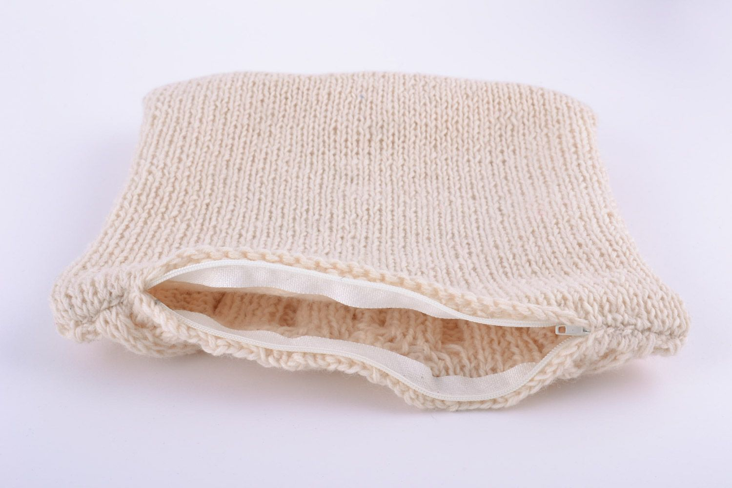 Small handmade cushion cover knitted of beige semi-woolen threads with zipper photo 4