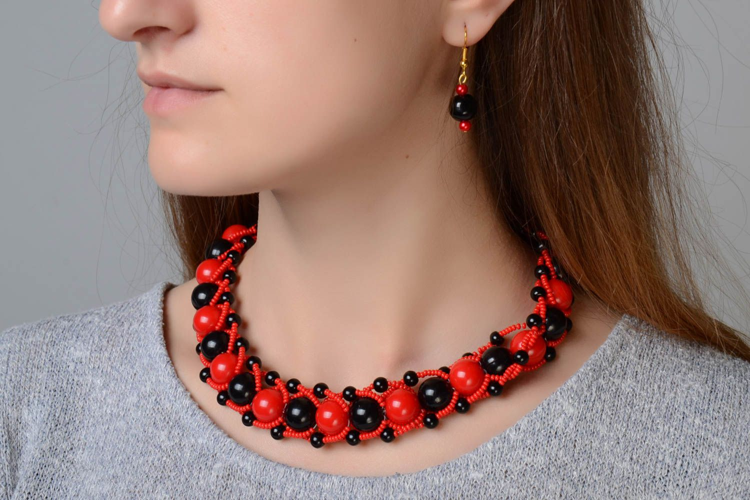Red and black handmade designer beaded jewelry set 2 pieces unusual earrings and necklace photo 1