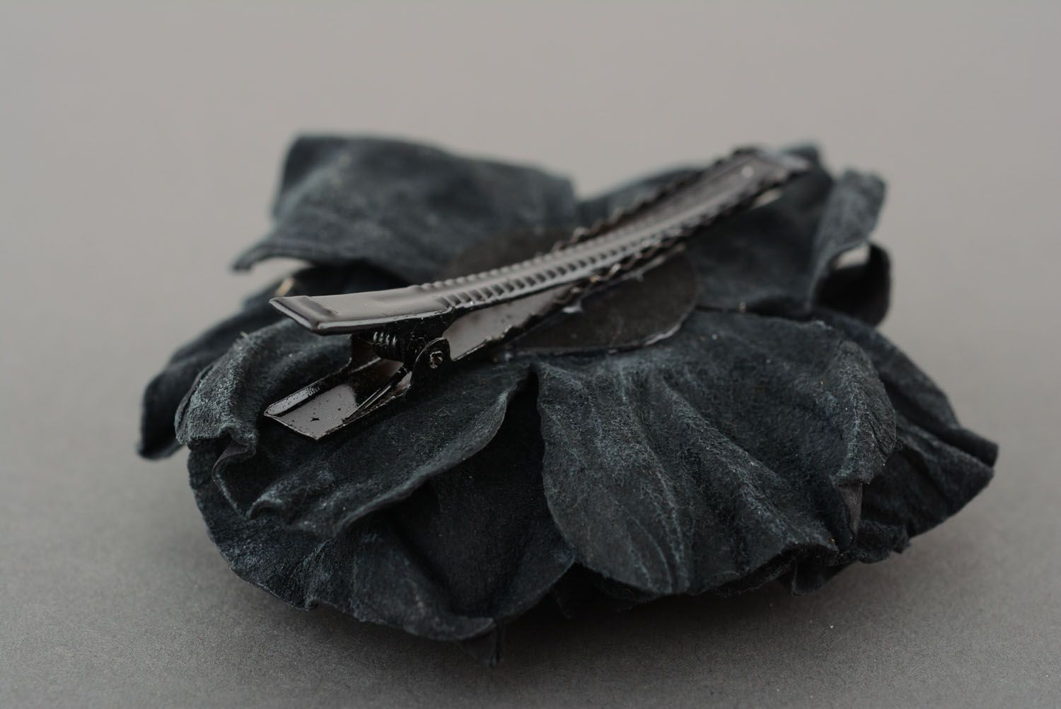 Large leather hair clip photo 2