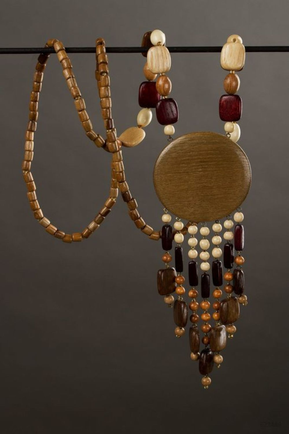 Wooden necklace in ethnic style photo 1