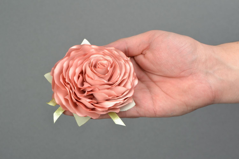 Satin ribbon brooch hair clip in the shape of tea rose photo 2